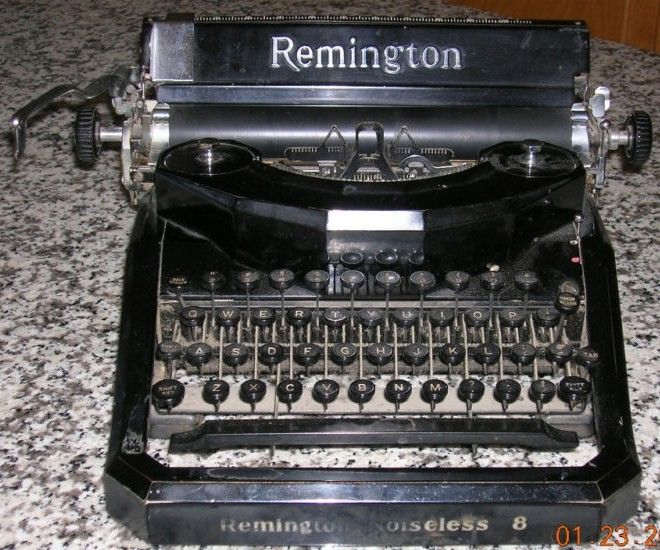 Remington Rand Noiseless No 8 Typewriter