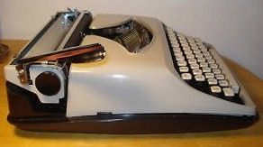 Remington Streamliner Portable Manual Typewriter Side View