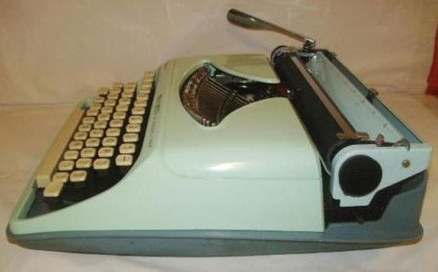 Remington Streamliner Sperry Rand Typewriter Holland