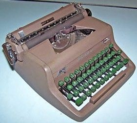 Royal Quiet De Luxe Portable Manual Typewriter 1951 Green Keys