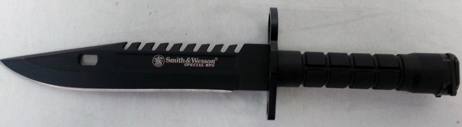 Smith & Wesson SW3B Special Ops M-9 Close View