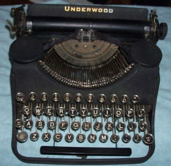 Underwood Elliot Fisher Typewriter w/Case 1930