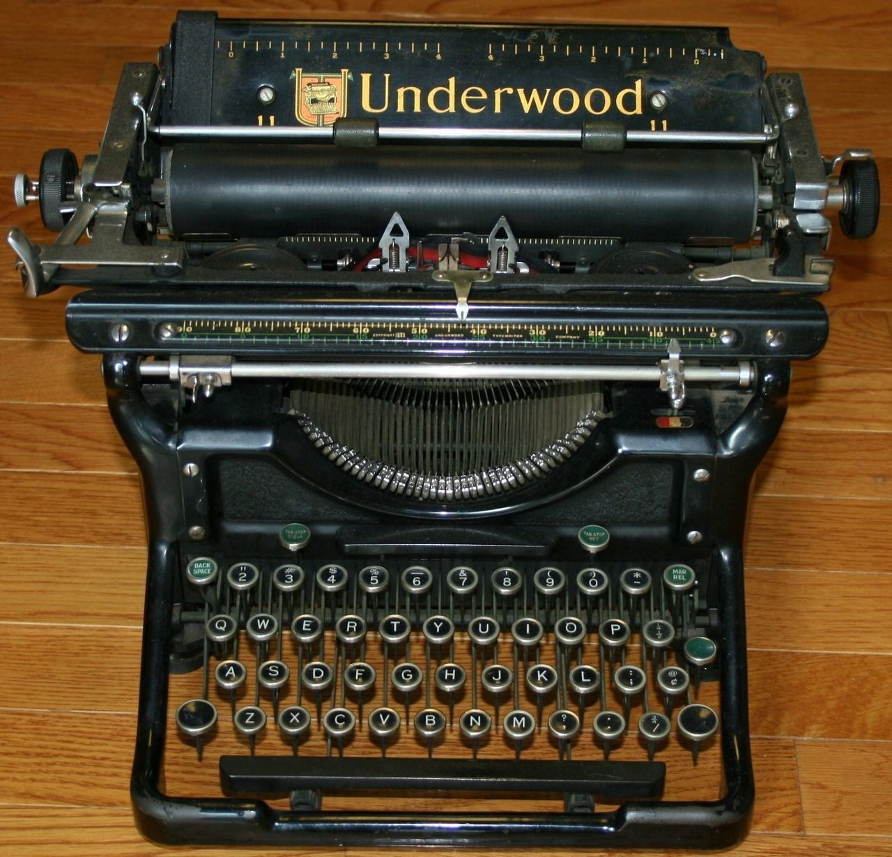 Underwood No 6 Desktop Manual Typewriter 1927