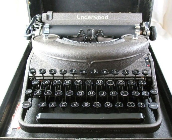 Underwood Noiseless Typewriter 1930s-1940s