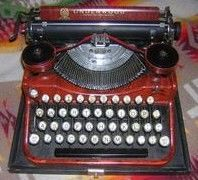 Underwood Red Faux Wood 1920s Typewriter