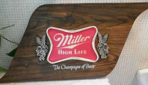 Vintage 1977 Miller High Life Lighted Bar Ad Sign