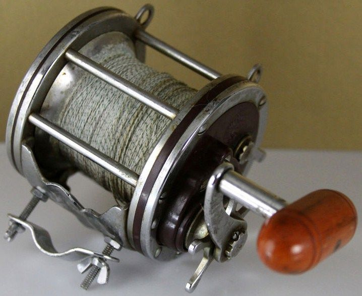 Vintage Deep Sea Fishing Reel Penn Senator 114-H Made in USA