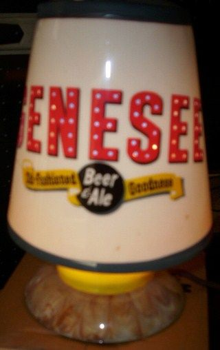 Vintage Genesee Lighted Heat Motion Spinner Beer Lamp