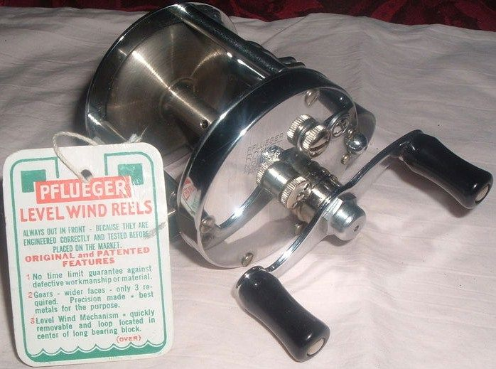 Vintage Pflueger Rocket Level Wind Fishing Reel w/Box-Tags