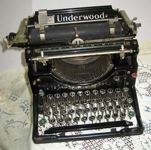 Vintage 1923 Fisher Underwood No 5 manual Typewriter
