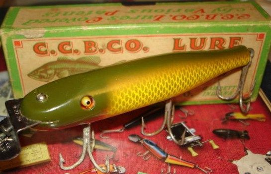 Vintage Antique Creek Chub Pikie Wood Bass Fishng Lure w/Box