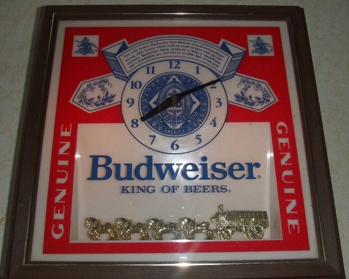Vintage Budweiser Beer Clock Light Bar Sign Clydesdales