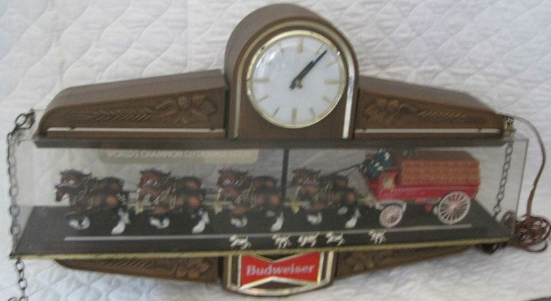 Vintage Budweiser Clydesdale Team Clock Light