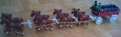 Vintage Cast Iron Budweiser Clydsdale Horse Beer Wagon