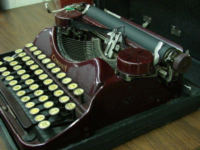 Vintage Corona Typewriter Maroon
