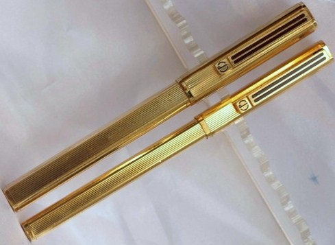 Vintage Dunhill Square Shaped Gold Plated Fountain & Rollerball Pen Set
