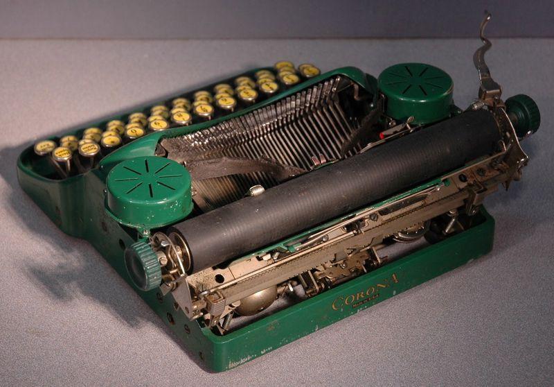 Vintage Corona Typewriter Back View