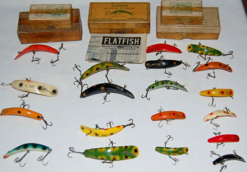 Vintage Wood Helin Flatfish w/Boxes Lot of 19
