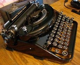 Vintage Remington Noiseless Typewriter