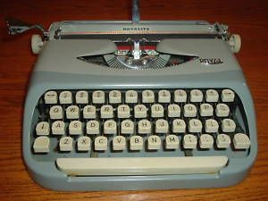 Vintage Royal Royalite Compact Portable Typewriter