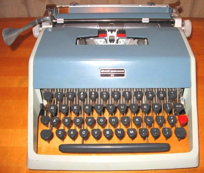 Vintage Underwood Typewriter w Cursive Type Face