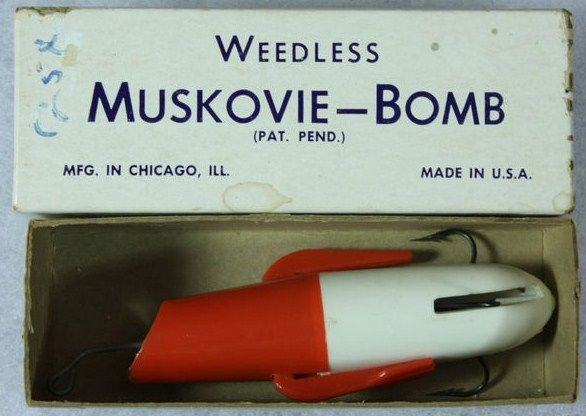 Muskovie Bomb Mechanical Spring Loaded Lure w/Box