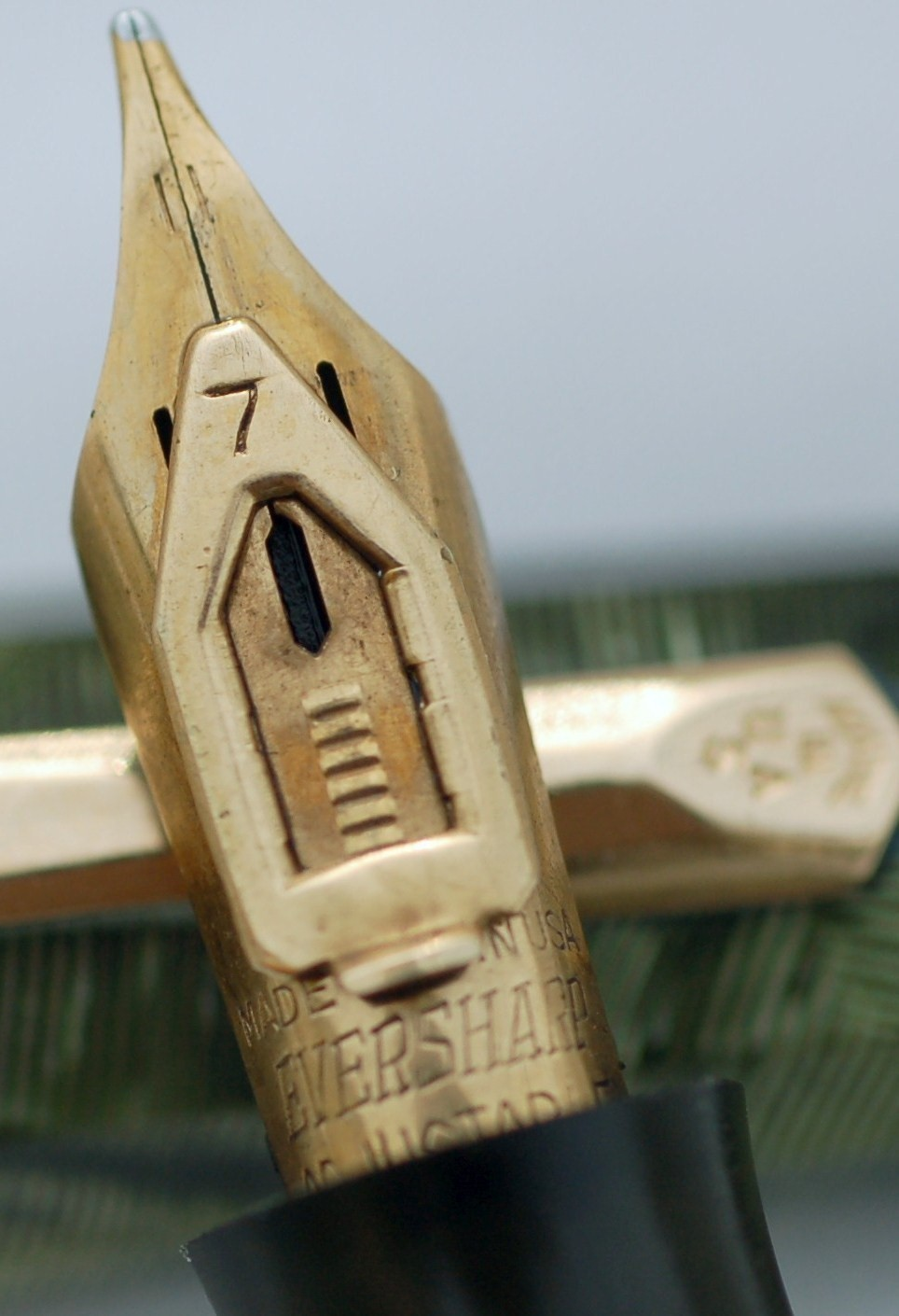 Wahl Doric Fountain Pen #7 Adjustable Nib Close up View
