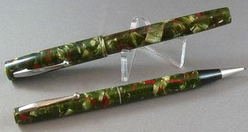 Waterman's Ideal No. 3 Red/Green Fountain Pen/Pencil Set c1935
