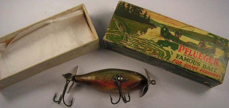 Antique Pflueger Scoop Fishing Lure 9302 Red Side Scale w/Box