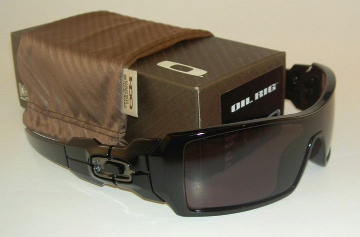 oakley oil rig sunglasses polished black  they come brand new in the original oakley box including all original papers, microfiber cleaning bag and oakley 1 year warranty. model: oil rig