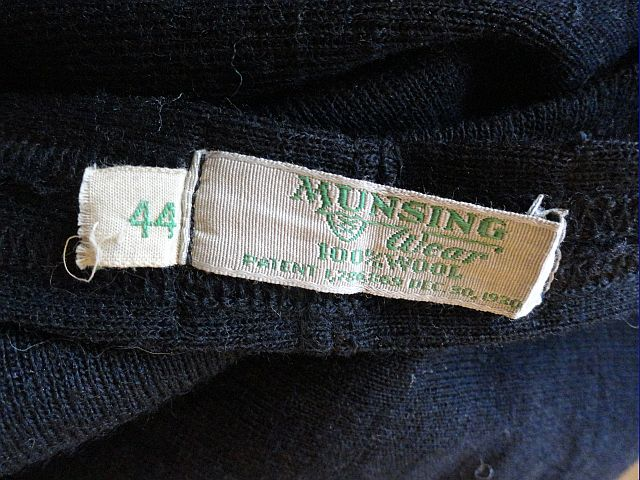 1930S MUNSINGWEAR label