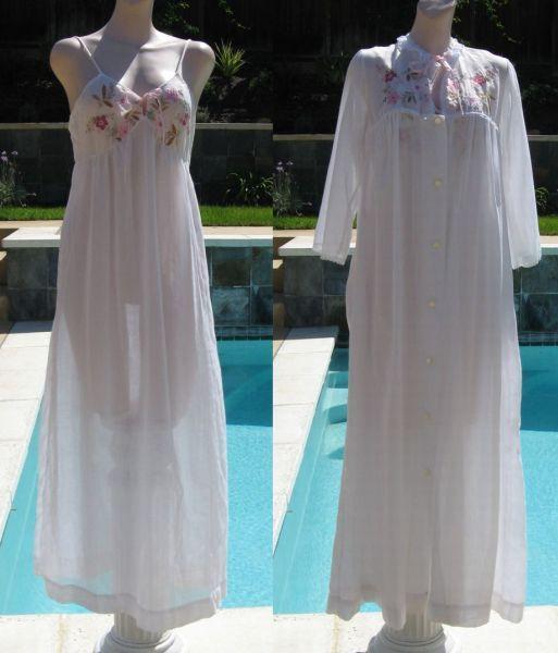 Vintage 70s Bert Yelin for Iris Lingerie Floral Applique Cottn Nightgown & Robe Peignoir Set