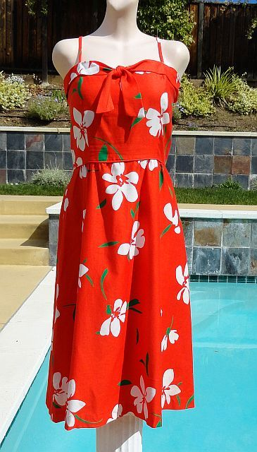 Vintage 70s Malia Hawaiian Floral Summer Swing Dress