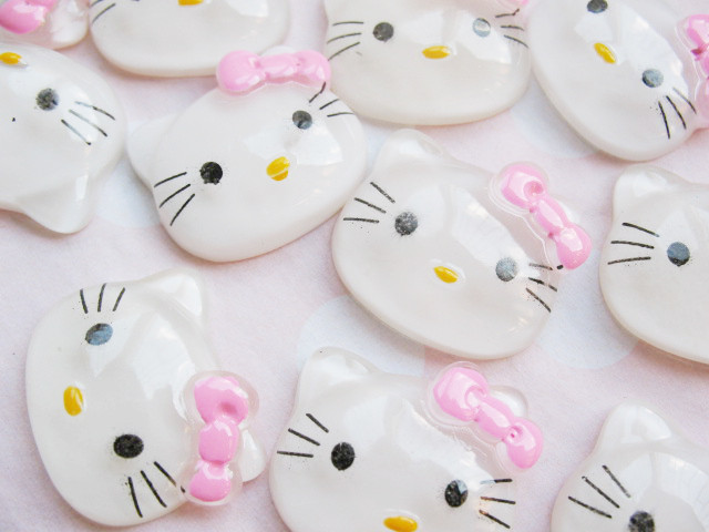 Wholesale* 30 Resin Hello Kitty Flatback Button/Bow M