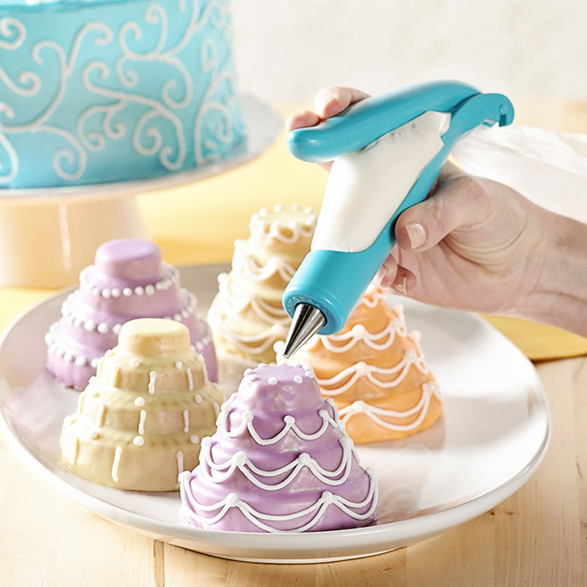 Cake Decorating Icing Nozzles : Pastry Icing Piping Bag Nozzle Tips Fondant Cake Sugar ...