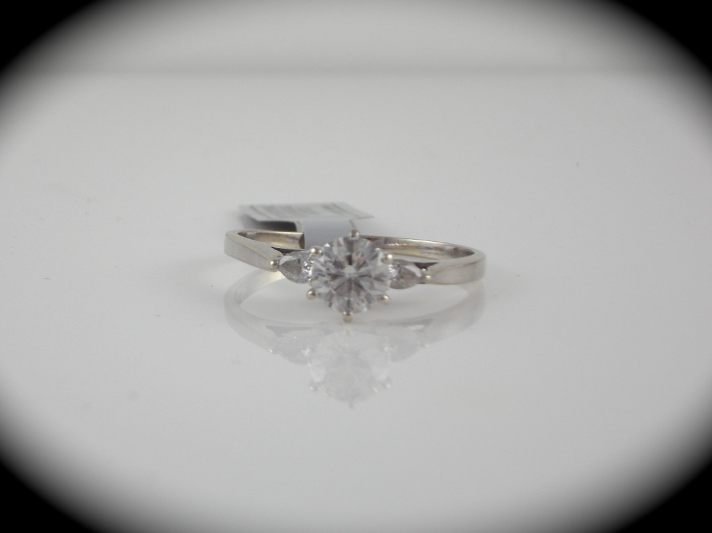 1 00CT Round Brilliant Diamond Engagement Ring in 14K White Gold