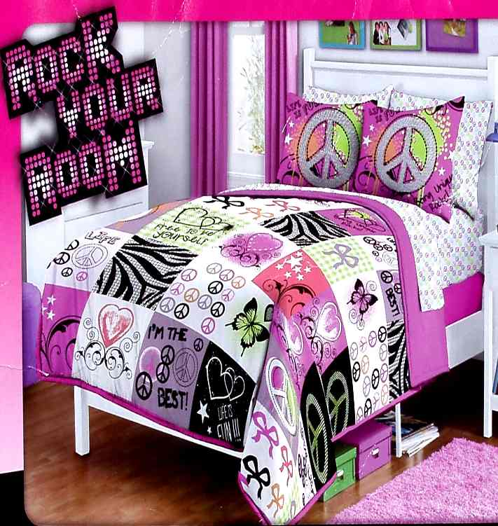 betty boop 5 piece comforter set includes 1 comforter 1 pillow shams 1