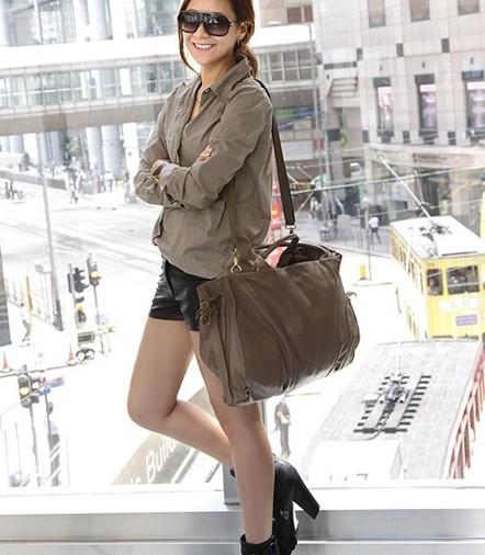 оптом Многофункциональная сумочка серого.