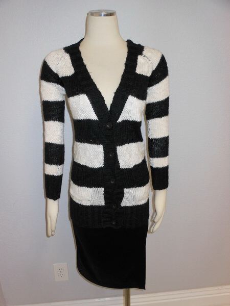 NWOT-BDG-Urban-Outfitters-Black-White-Stripes-Tunic-Sweater-Cardigan-Sz-XS-S