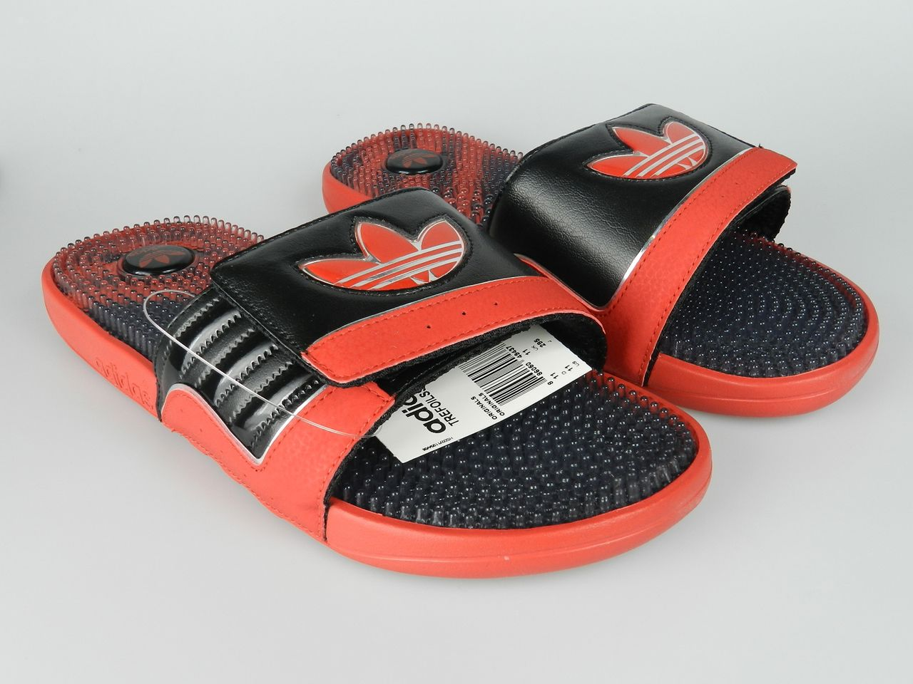 2b8479d9ccc9 ADIDAS TREFOILSSAGE NEW Mens Red Black Bulls Sandals Sliders Shoes ...