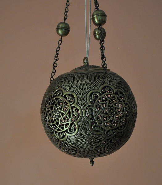 Hanging Lamp Moroccan: Handcrafted Brass Moroccan Hanging Lamp - Pendant Light