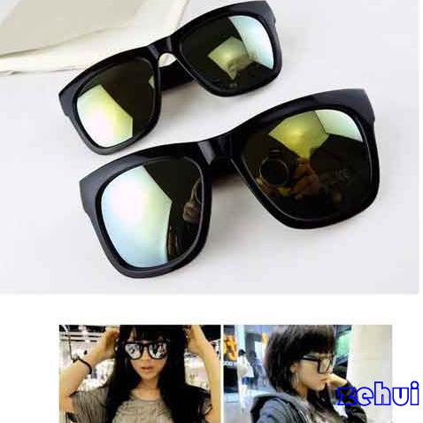 Fashion Eyewear Classic Sunglasses Reflective Lens Silver Color Plastic Frame