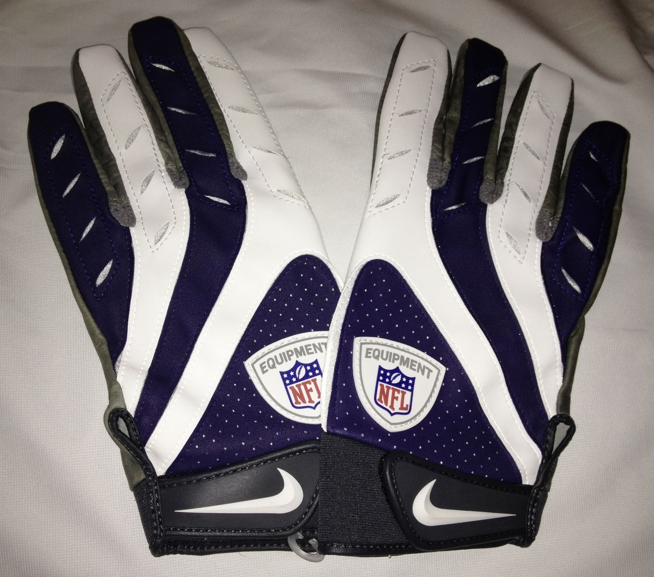 Nike Football Gloves: NEW Mens 3XL NIKE Pro Elite Remix NFL Equipment Skill
