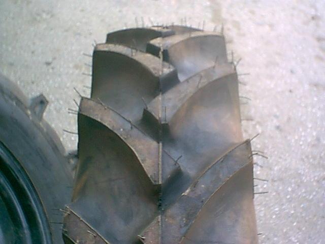 2 KABOTA TRACTOR TIRES  9.5x22