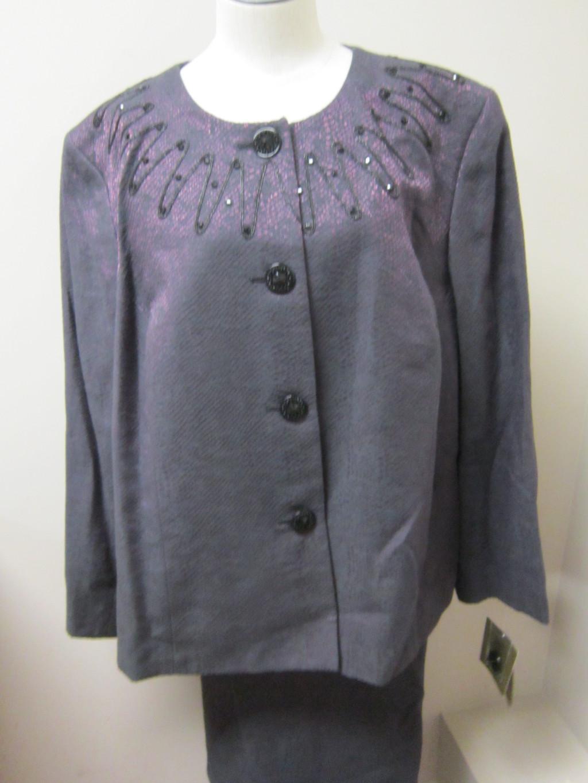 kasper embroidered and beaded neck 2 piece skirt suit. Black Bedroom Furniture Sets. Home Design Ideas