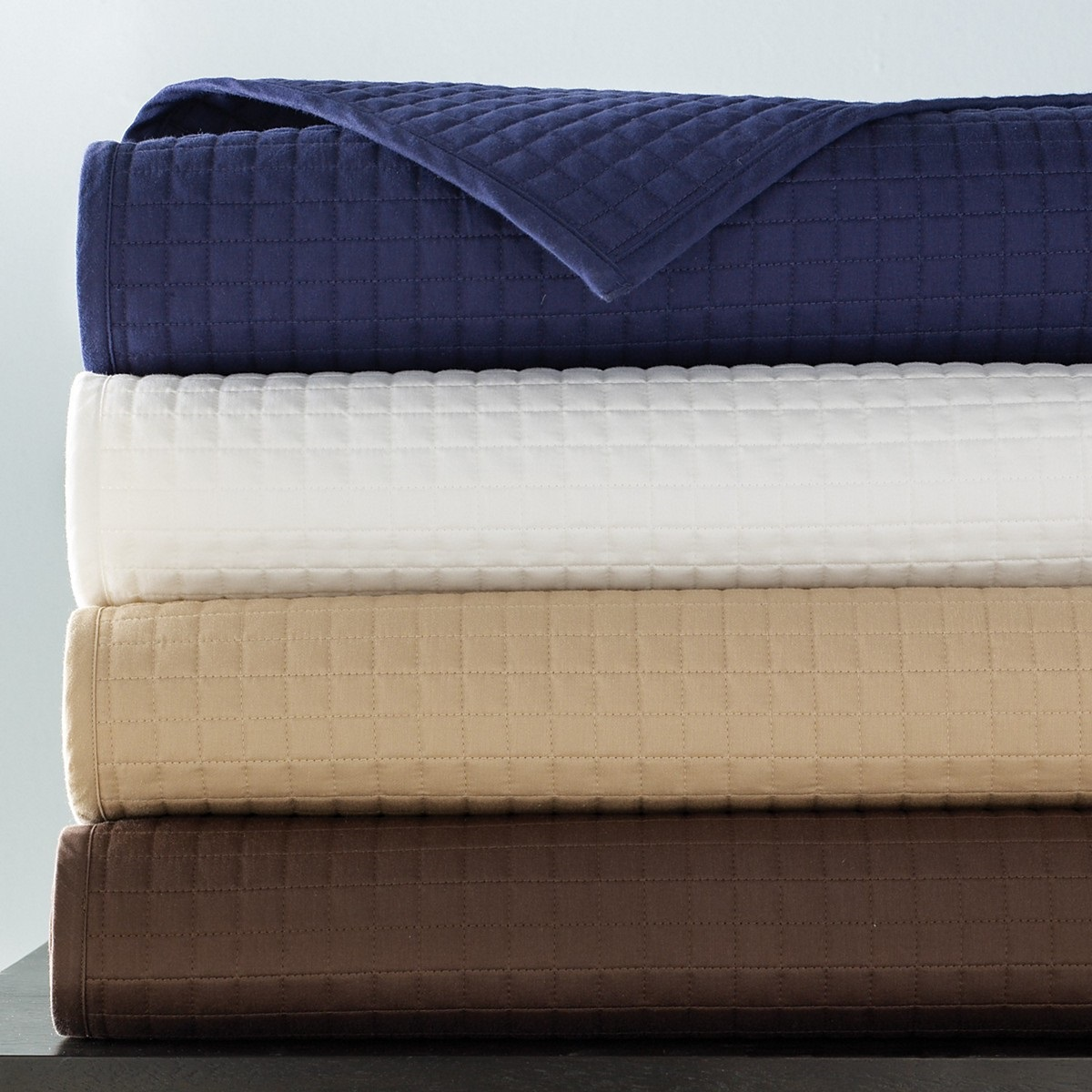 Hudson Park Twin Coverlet Mini Grid Quilted Ivory