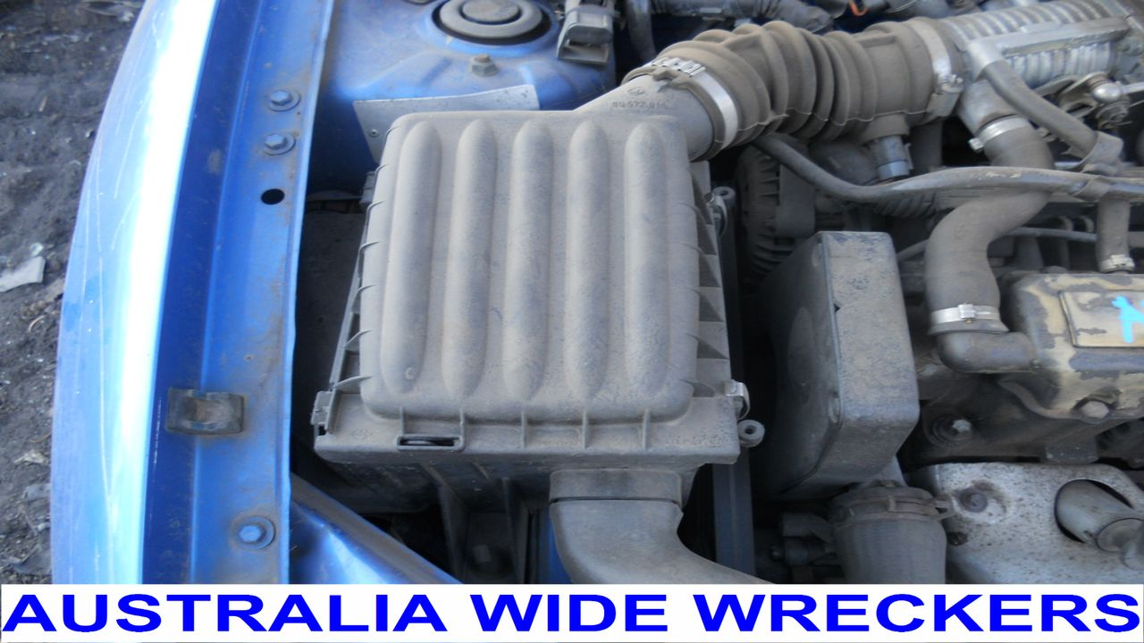HOLDEN-BARINA-SB-1994-2001-AIR-CLEANER-BOX-NO-HOSE-WRECKING-WHOLE-CAR