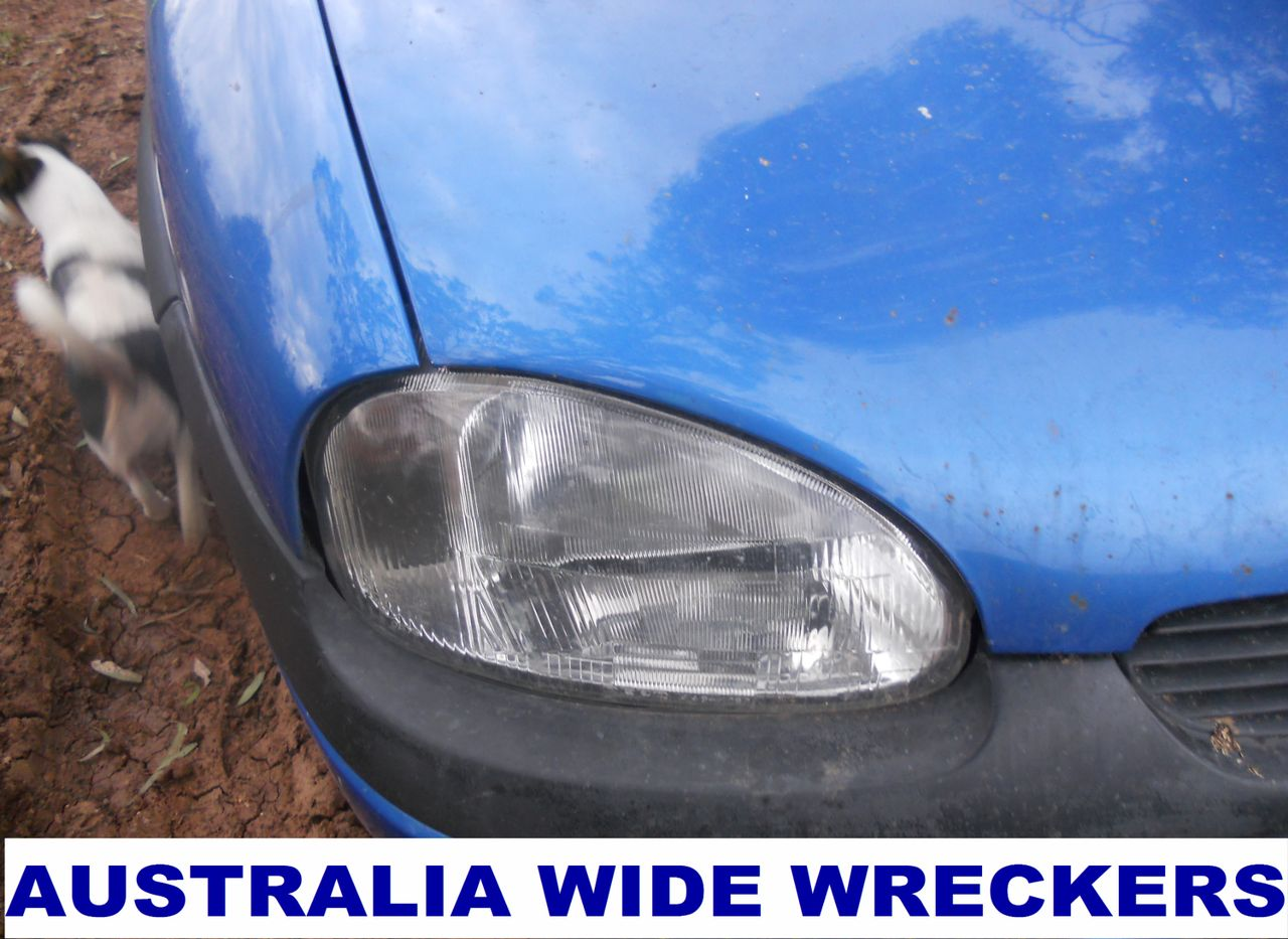 HOLDEN-BARINA-SB-R-H-HEAD-LIGHT-WRECKING-WHOLE-CAR