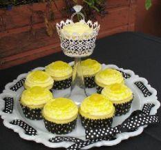 Nikkis_lemon_cupcake_with_black_polka_do