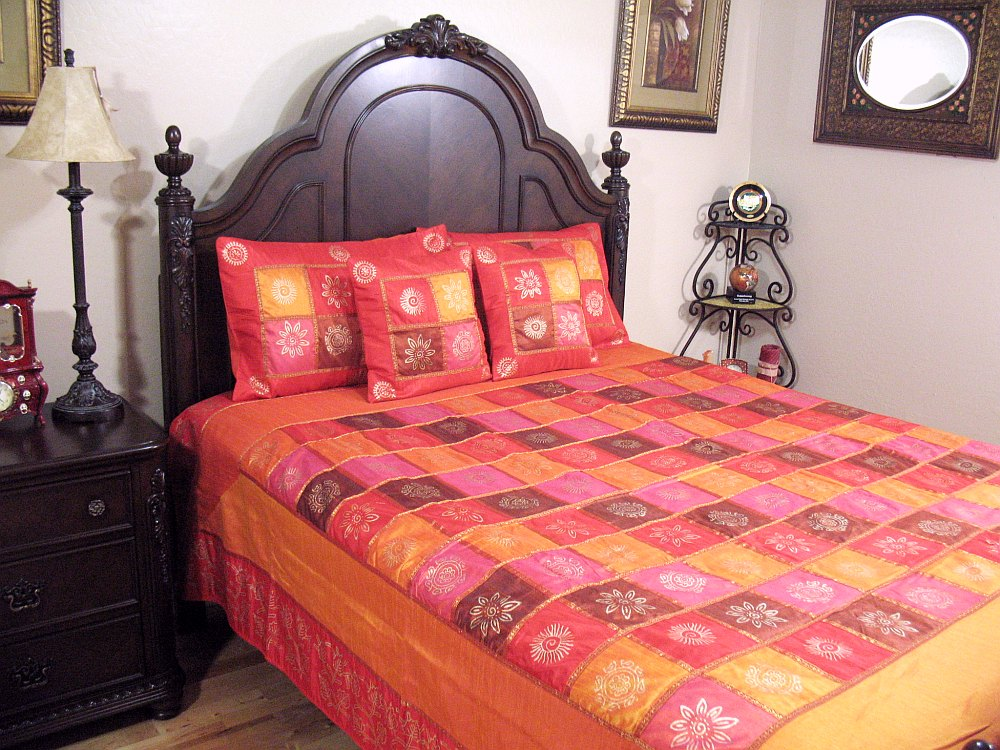 Bohemian indian themed bedding 5p fabulous bedroom for Indian themed bedroom